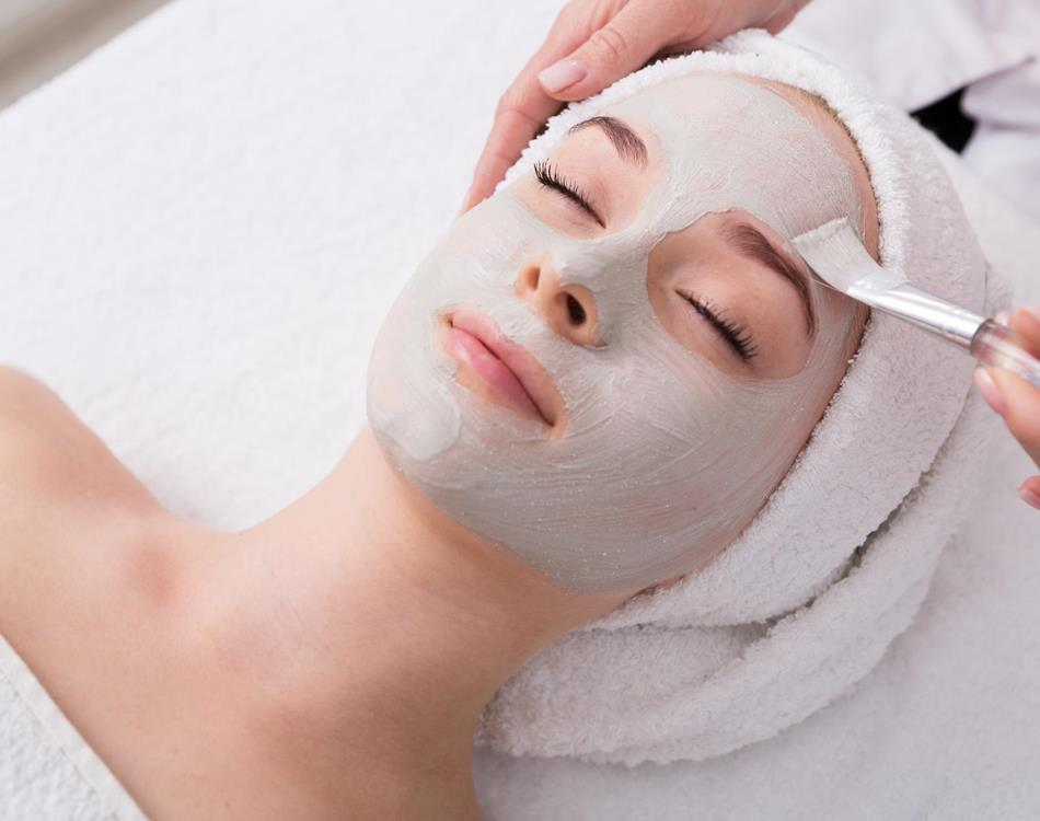 facial treatment - Wellness